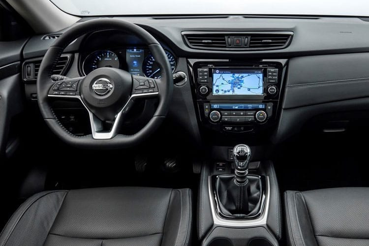 Nissan X-Trail SUV 4wd 1.7 dCi 150PS N-Connecta 5Dr CVT [Start Stop] [7Seat] inside view